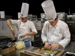 b_240_180_16777215_00_images_2015-16-tanev-cikk_109-bocuse-d-or-02.jpg